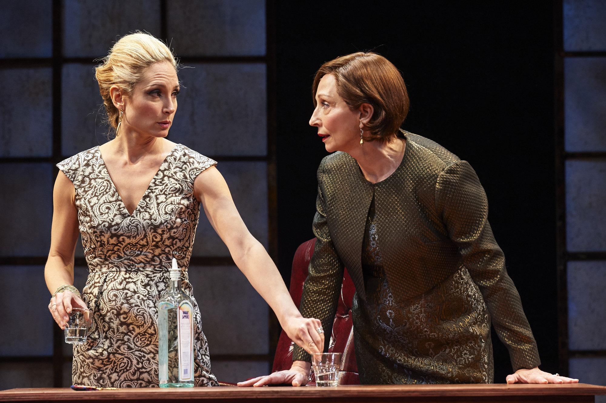 How does power affect women in King Lear? Please help!?